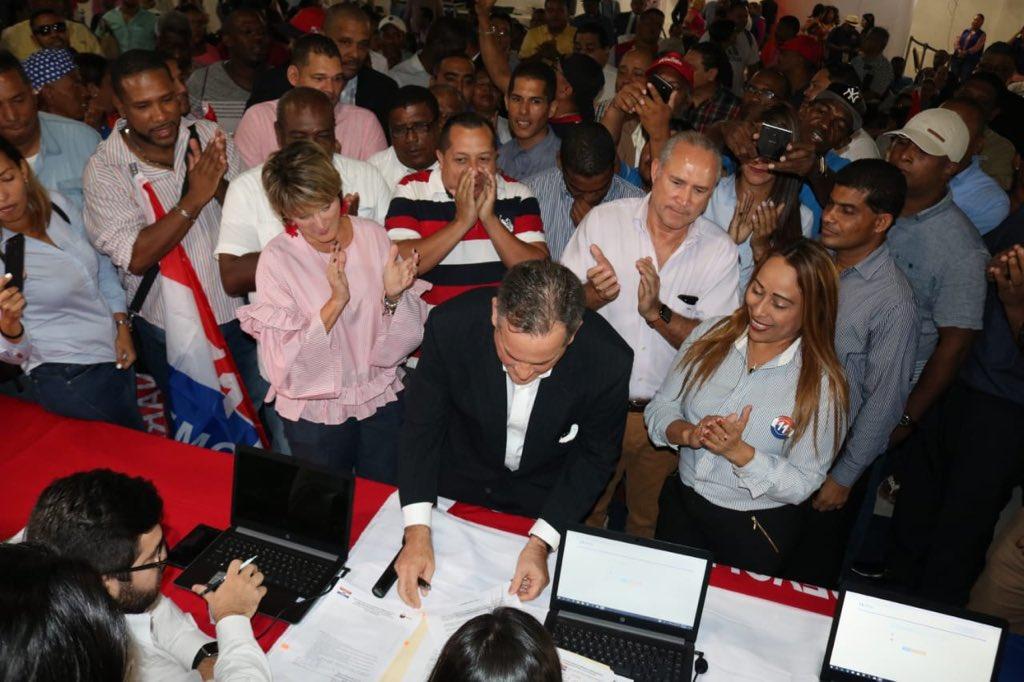 postulacion-juan-carlos-navarro-primarias-prd-elecciones