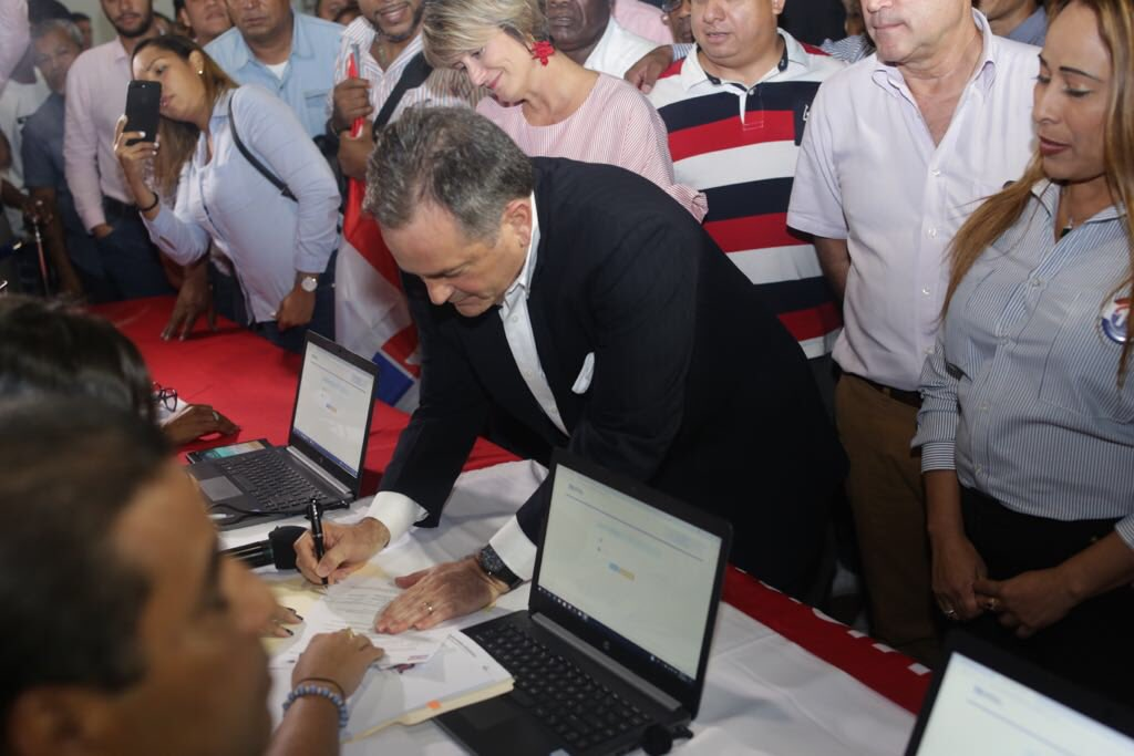 postulacion-presidente-juan-carlos-navarro-prd-panama
