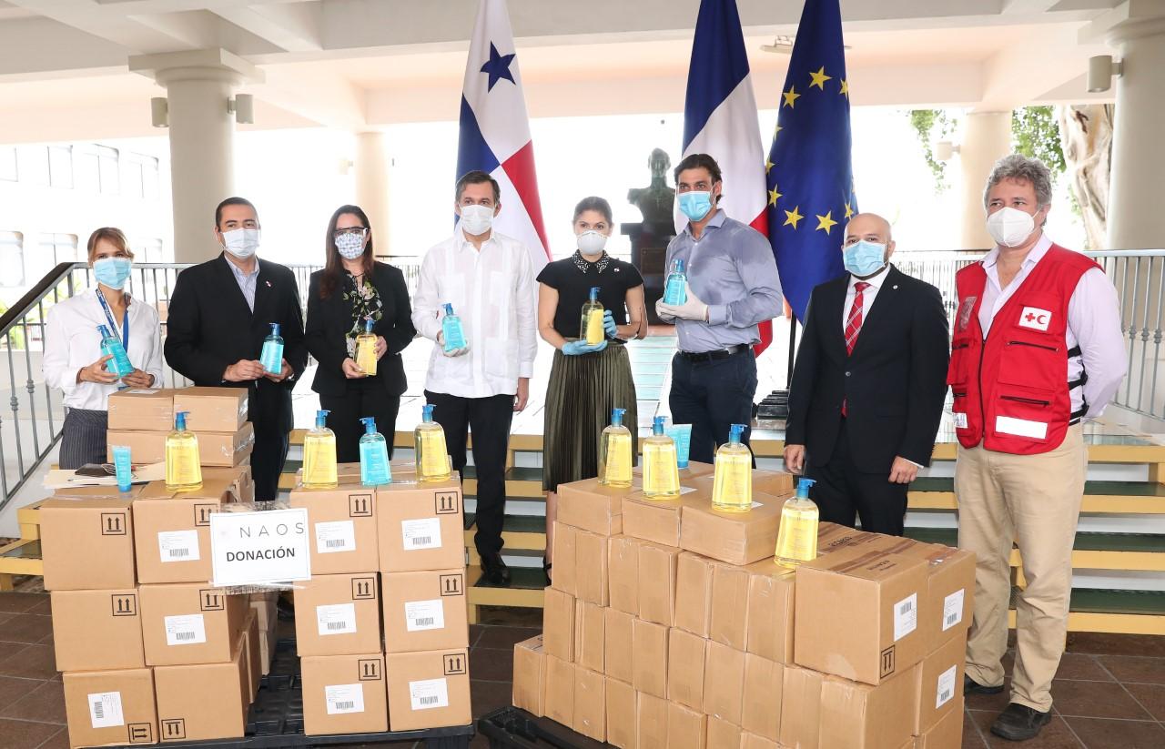 Cancillería recibe donación de jabón en gel - tupolitica.com - sitio oficial de política de Panamá